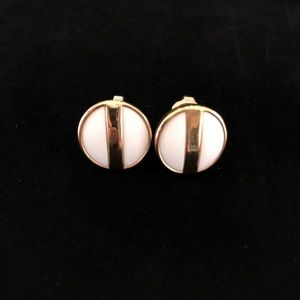 Avon Stamped Round Clip On Earrings White Gold